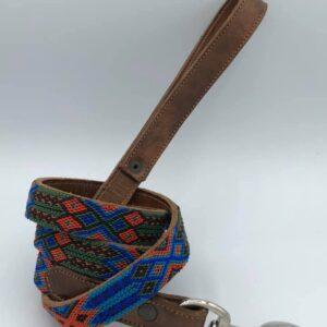 Guinzaglio in pelle decorato a mano (126-129cm)